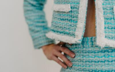 Dámský kostým šitý na míru ve stylu Chanel Artemis
