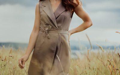 Elegantní šaty z hedvábí Alice Kyteler